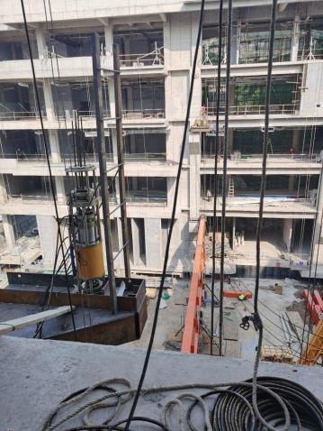 济南四建(集团)有限责任公司承建平安中央商务区A-4A-5地块项目工程走廊钢架提升