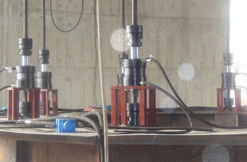 大型钢网架液压整体提升施工技术