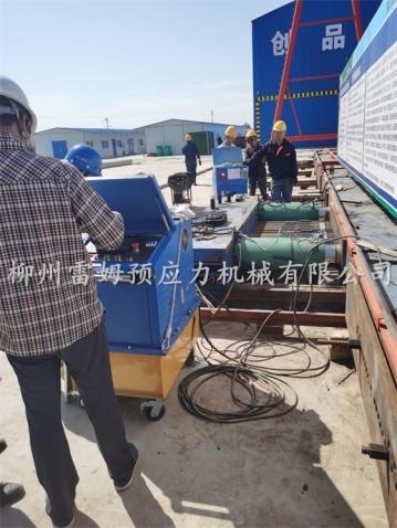 2020年9月30日,河南新乡市濮卫高速滑卫段HWSG-2项目部,采用了我公司CZB2×2-600A智能张拉设备。
